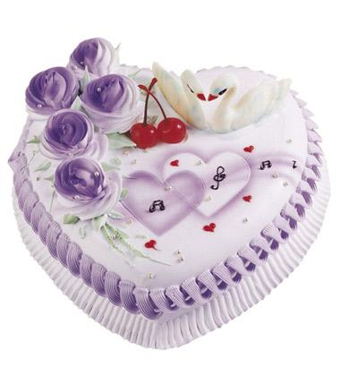 蛋糕小语:用巧克力片拼成的独特的造型,可爱又时尚!