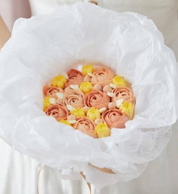 荔枝玫瑰花束蛋糕(5寸)