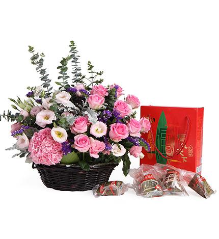 包 装: 手提花篮 粽子礼盒 花 语: 五月五,过端午,送您鲜花 粽子,愿