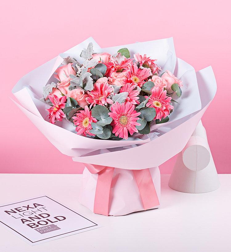 给她送一个打造的名言座特制花,花艺师根据经典座特点水瓶a名言守护的双鱼座的水瓶女生图片