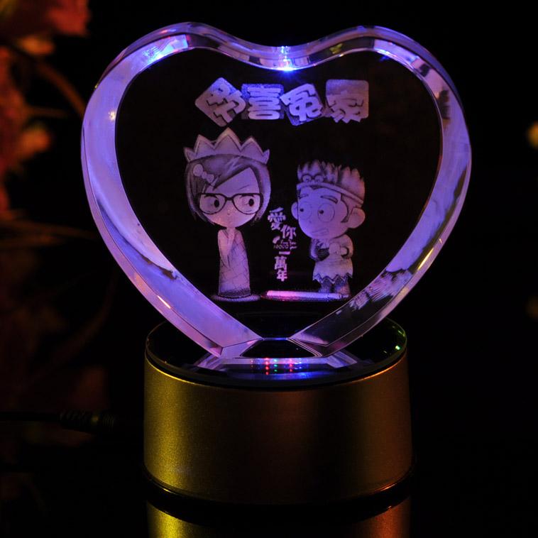 """水晶内雕照片_心形3D水晶内雕欢喜冤家:七彩旋转水晶内雕。工艺: """"浪漫之约 ..."""
