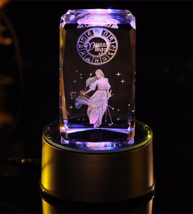 星座水晶内雕图片