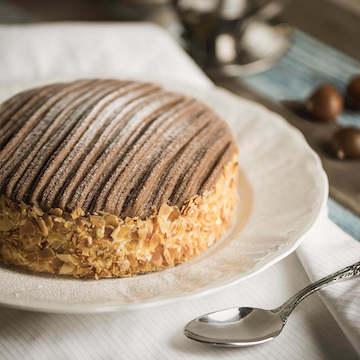 朗姆醇栗香草奶油生日宴会蛋糕(2磅)